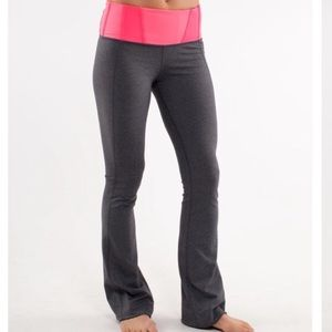 LULULEMON Tadasan Yoga Pants Gray Flash Pink 4